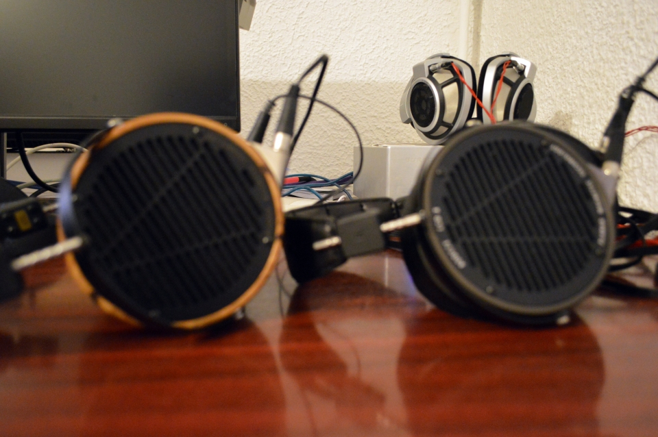 Sennheiser HD800 vs LCD-X