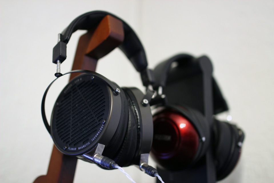 Audeze LCD-X vs Fostex TH900
