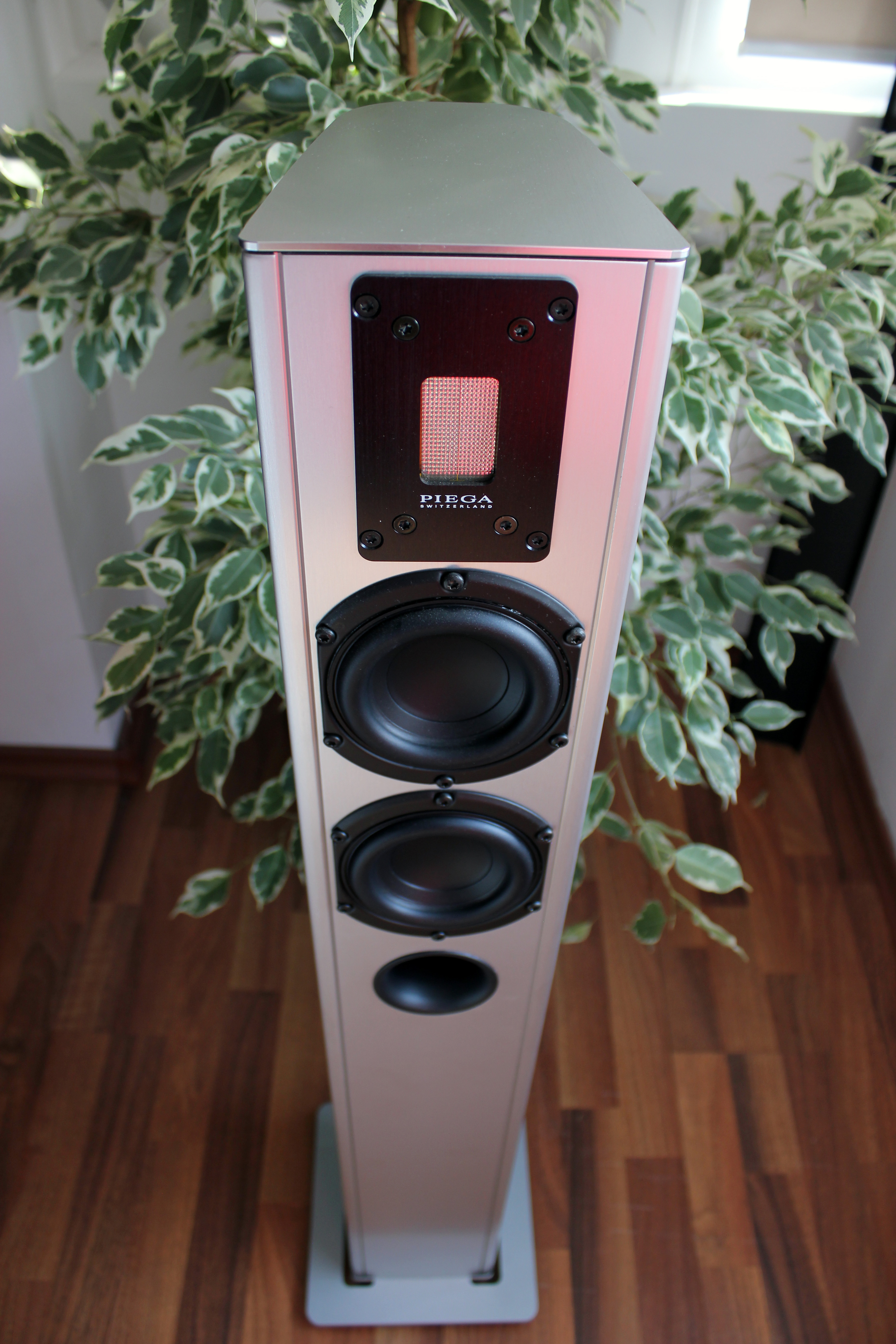 piega premium 3 speakers review headmania. Black Bedroom Furniture Sets. Home Design Ideas
