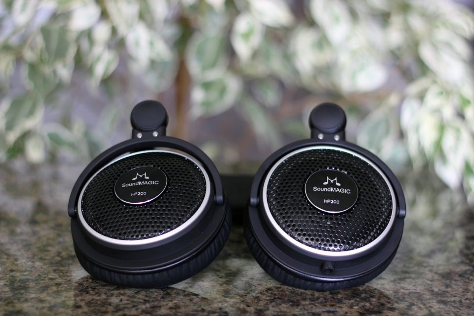 SoundMagic HP200 Headphones Review (6)