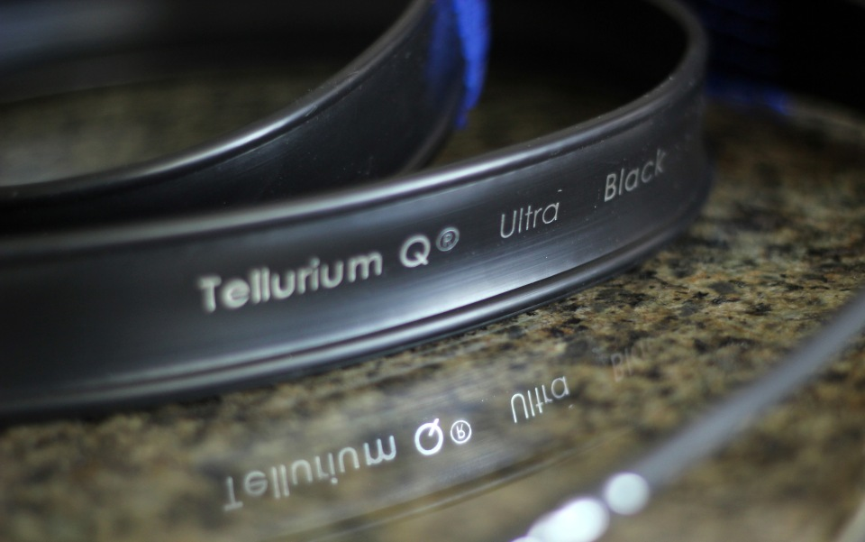 Tellerium Q Ultra Black Speaker Cables Review (12)