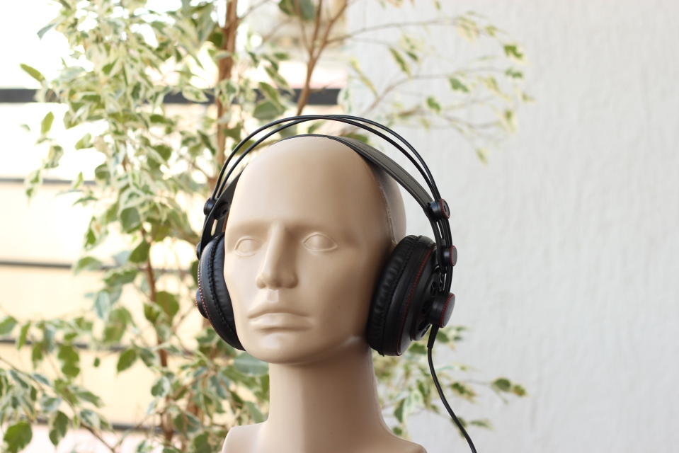 Superlux HD681 review 2.JPG